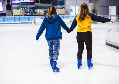 The Basic Ice Skating Moves for a Beginner