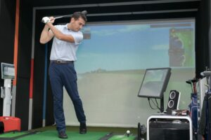 How to Build a Golf Simulator at Home: A Comprehensive Guide