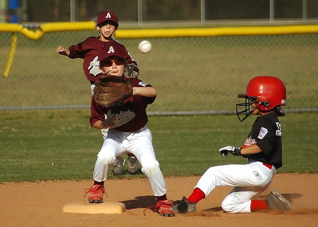 What is a youth baseball glove