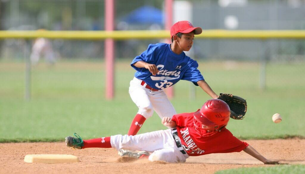 Youth Baseball Gloves; What to Have In Mind
