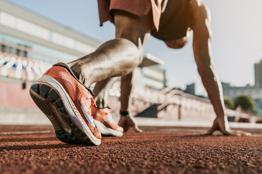 what is the difference between track and cross country