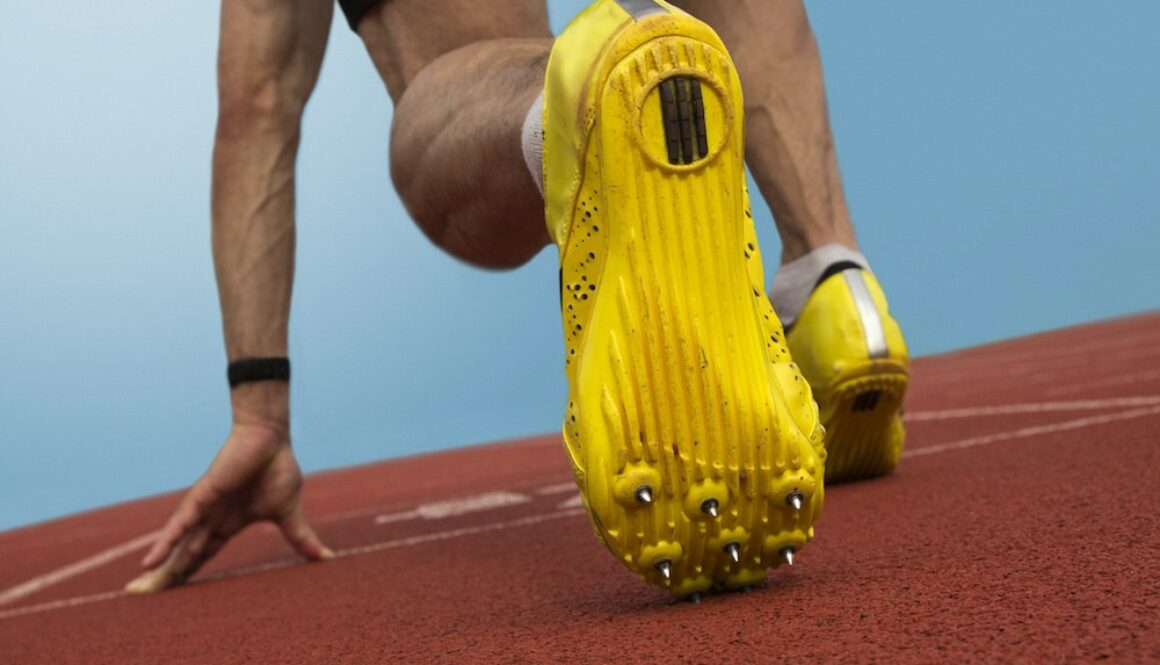 cross country spikes vs track spikes