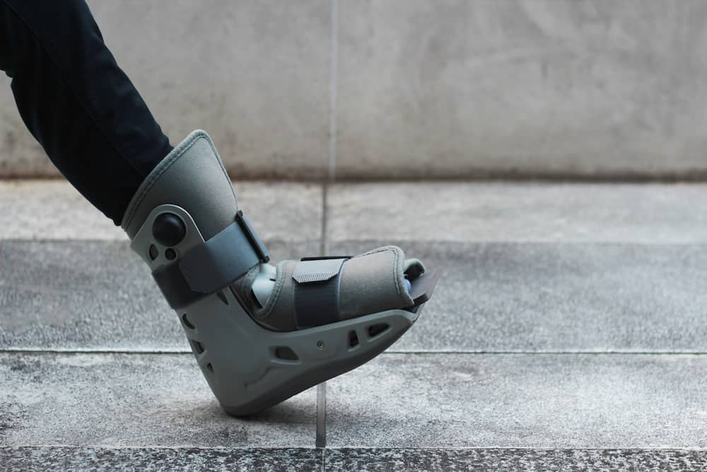 transition from walking boot to normal shoe guide