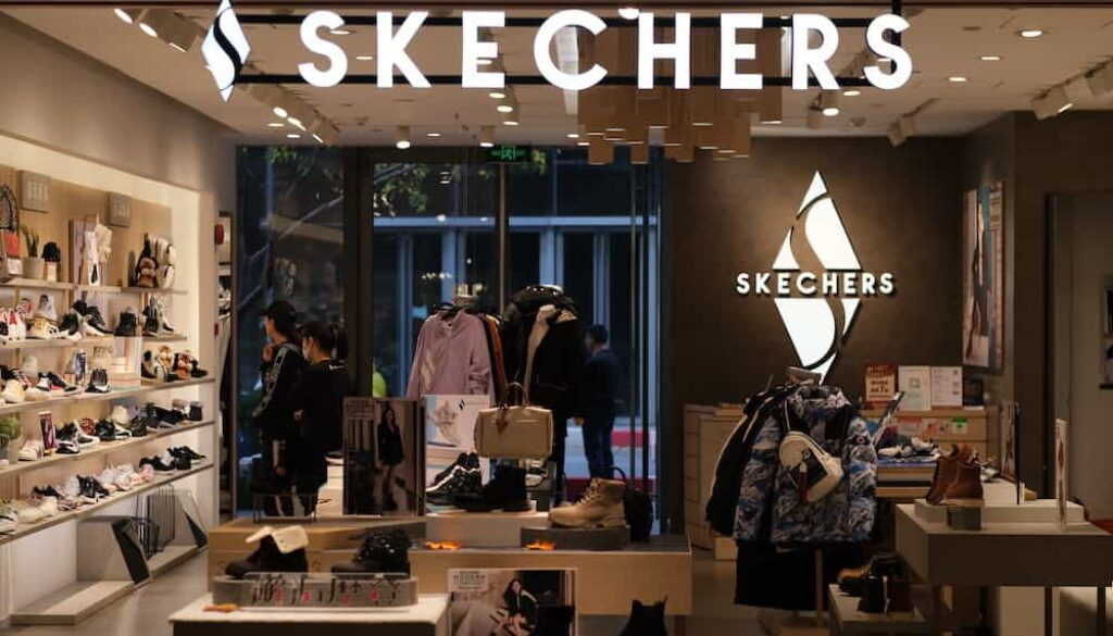 are skechers good walking shoes for men and women